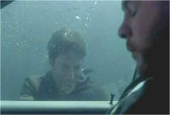 再び、戻りチャーリーを助けようとするデズモンド