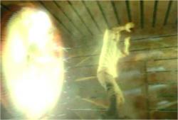 フルパワーの電磁波がデズモンドを襲い
