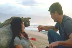 島でケイトの応急治療をしているジャック
