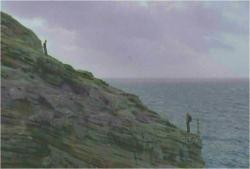 崖で対峙する二人
