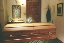なぜか、そこにある父の棺