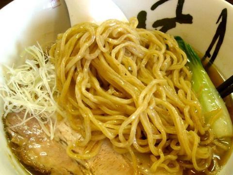 風月・醤油らーめん 麺