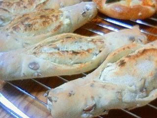 クリームチーズ&アーモンドのフランスパン風♪♪♪