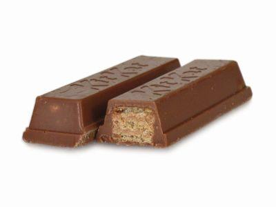 ネスレ--キットカット チョコとローズ。