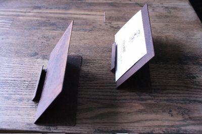criniere de cavane鉄製カードスタンド
