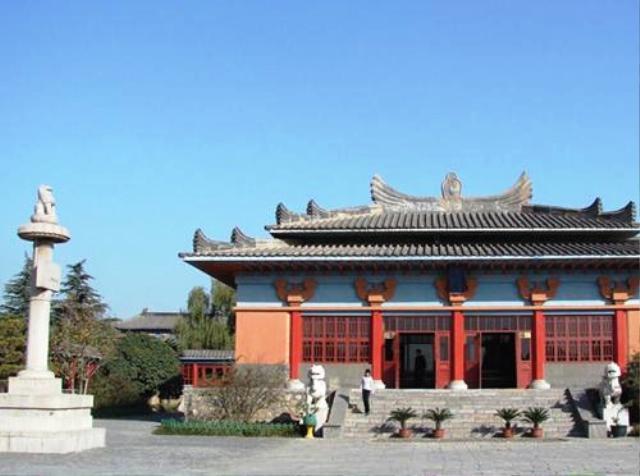 洛陽 古墓博物館