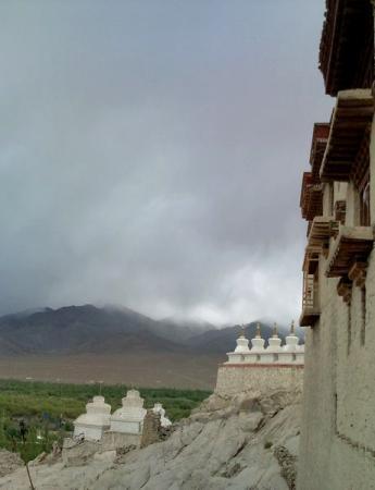 ラダックの雨雲