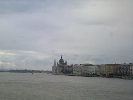 ブダペストの雨雲