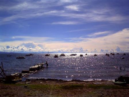 逆光のチチカカ湖 by ViviCam5050