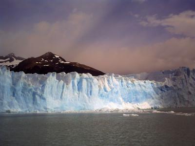 ペリト・モレノ氷河 by ViviCam5050