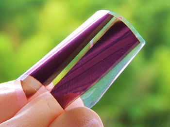 太陽光発電する透明紙