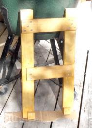 踏み台塗装後脚