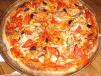 6日の夕食ピザ2焼上がり