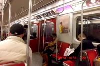 7日地下鉄車内