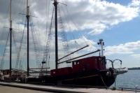 7日係留中の帆船