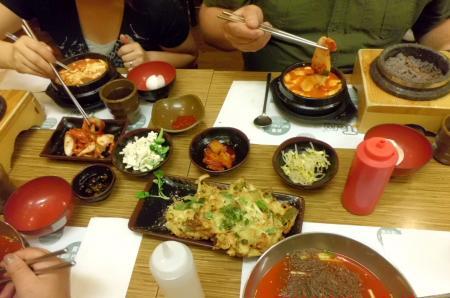 7日皆で韓国料理