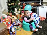 JJ13年12月22日プレゼントに囲まれ1