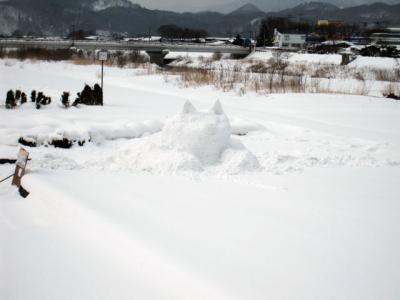 2/5 秋田犬の雪像