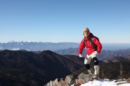 甲武信岳頂上にてセルフショット