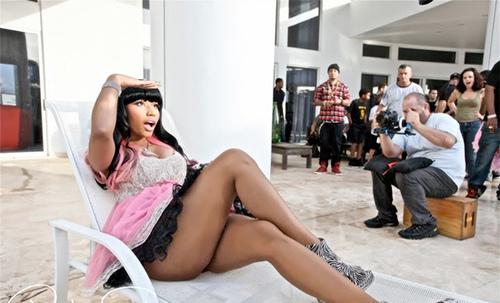 Gyptian #8211; Hold Yuh (Remix) ft. Nicki Minaj [CDQ]
