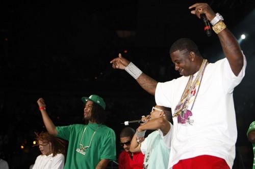 Gucci Mane- I Be Everywhere x I Am Legend [No DJ]