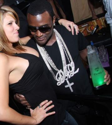 Lil Hot Ft. Shawty Lo  Big Bank Black #8211; Summertime