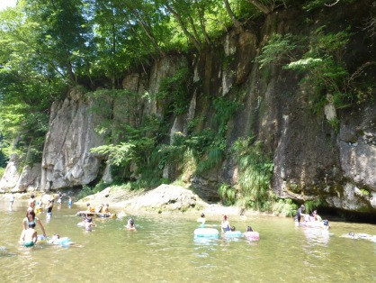広瀬川の河原
