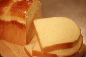 リッチ食パン1