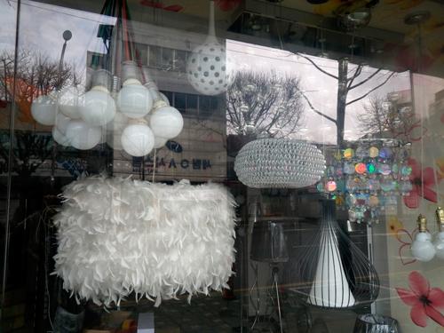 韓国照明の商店街
