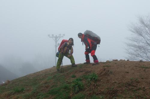 20雨の金剛山