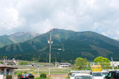01駅から見た蓬莱山