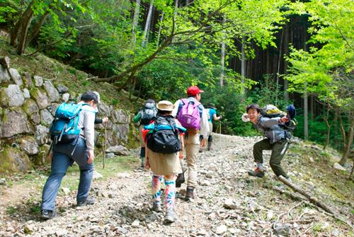 04-2蓬莱山登り始め