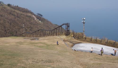 20-1滑り台蓬莱山