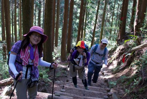 1金剛山縦走路階段
