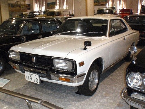 800px-Toyota_Crown_S50_series_coupe.jpg