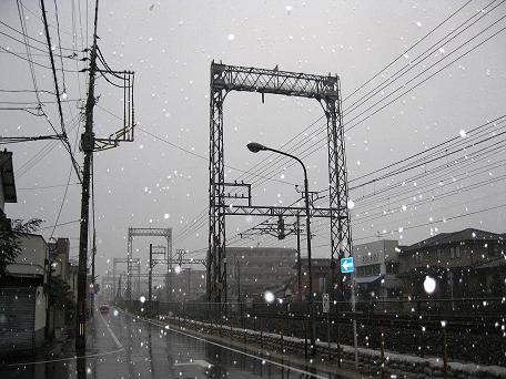 最後の雪の日の電車道。ちょっとCLANNAD気にした(ぁ
