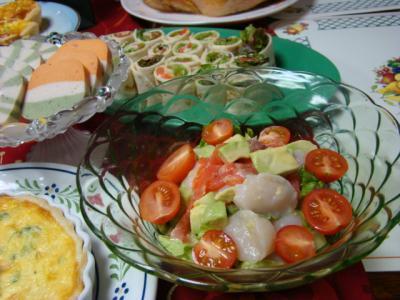 アボカドと帆立サーモンのサラダ