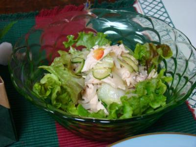 ローストチキンと野菜のサラダ♪
