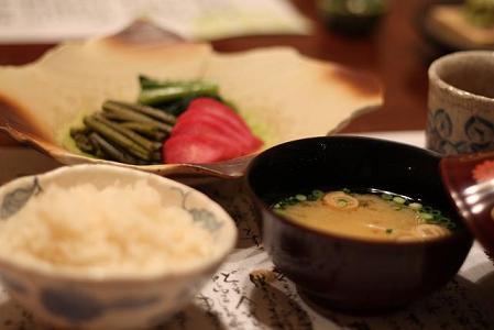 食事 蟹ごはん 味噌汁 香の物