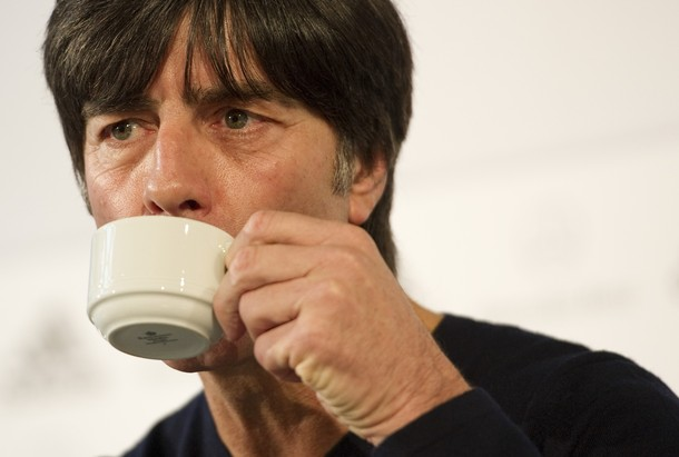 コーヒーのおかわりは!