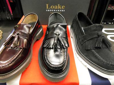1880年、トーマス、ジョン、ウィリアムのローク3兄弟により、英国高級靴製造の生地ノーザンプトンにて設立されたジューズブランドです。長い歴史で培われた伝統的製法