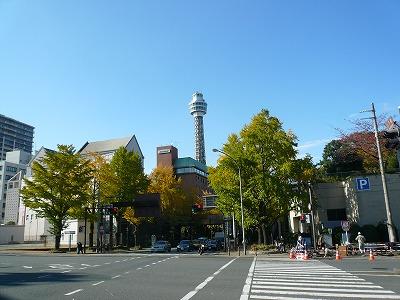 山下橋から見えるマリンタワー