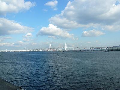 大桟橋から見えるベイブリッジ