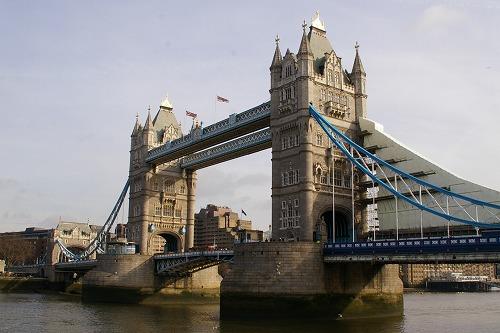 s-towerbridge.jpg