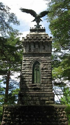 青葉城址の像2