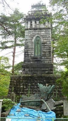 青葉城址の像1