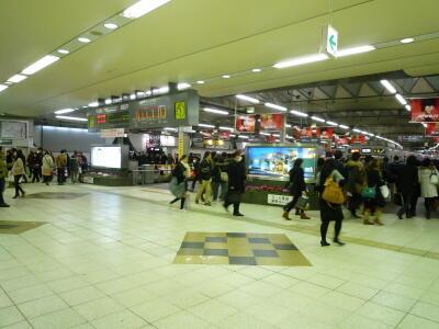 2013021101-渋谷改札中