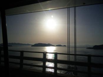 瀬戸大橋からのしまなみ・・・