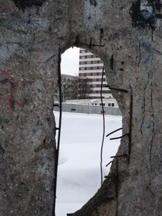 ベルリンの壁 穴