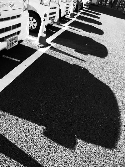 same car's shadows
